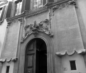 Il palazzo dei Cartelloni in via Sant'Antonino