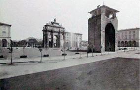 Fine '800 piazza Cavour (oggi Piazza della Libertà) vista dal viale Principessa Margherita (oggi viale Spartaco Lavagnini)
