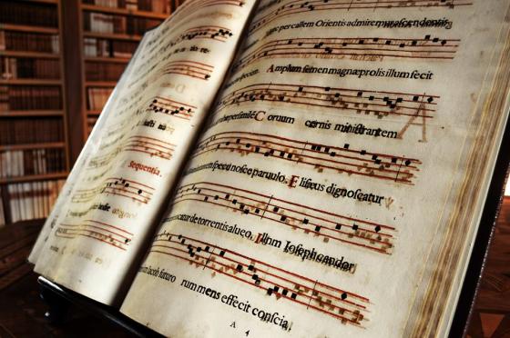 Abbazia di Vallombrosa - Antico volume della biblioteca