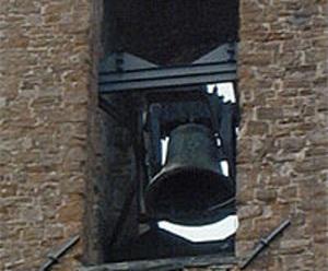 La campana del Bargello. Da non dimenticare il ruolo fondamentale affidato alle campane tra i quali quello di richiamare con rintocchi diversi la popolazione in caso di pericolo, come per gli incendi