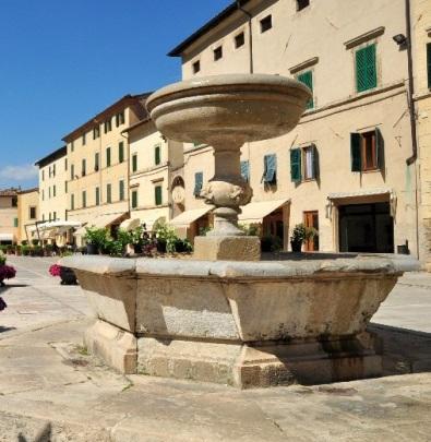 Cetona La fontana di piazza Garibaldi