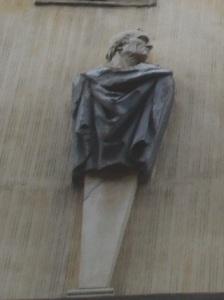 """Particolare dell'erma di Amerigo Vespucci nella facciata di Palazzo Altoviti o """"dei visacci"""""""