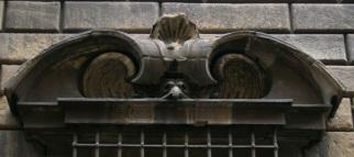 Firenze, palazzo Nonfinito, particolare della finestra