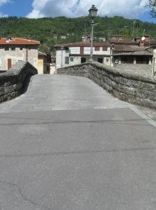 Il ponte sul Solano ricostruito nelle forme originarie dopo la seconda guerra