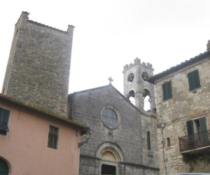 Armaiolo, la torre e la chiesa di San Giovanni Battista