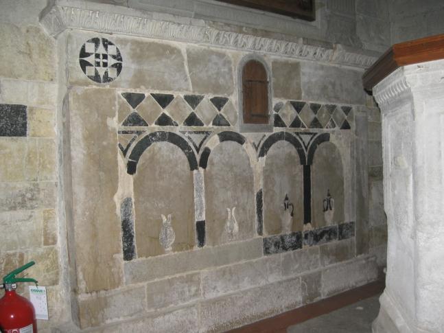 Sant'Agata, altre decorazioni con vasi sotto arcate