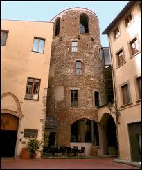 Torre della Pagliazza in Piazza Santa Elisabetta, luogo ove sorgevano le terme