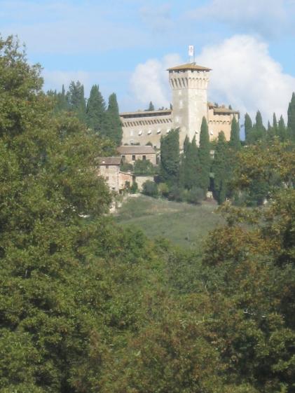 Il Castello del Trebbio a qualche chilometro da Santa Maria a Spugnole