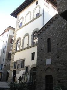 Il cinquecentesco palazzo Borgherini da piazza del Limbo