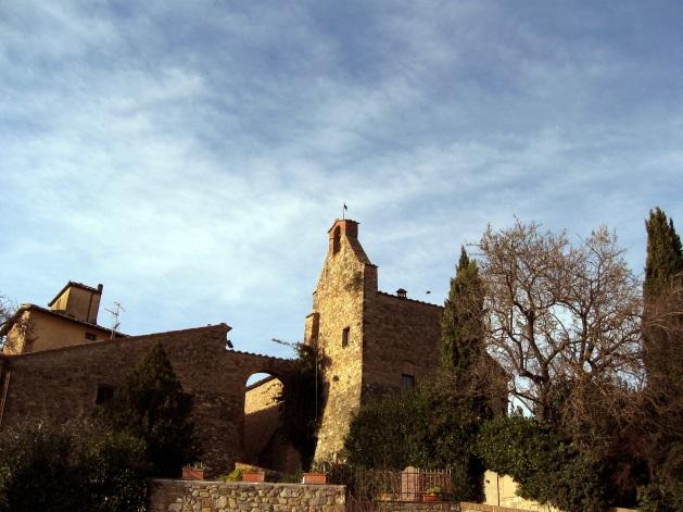 La Porta Fiorentina e i resti del torrione