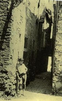 Dall'album di Firenze vecchia, il vicolo della Luna
