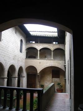 Montegufoni la corte interna