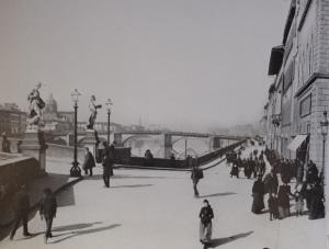 Lungarno dal ponte SantaTrinita al ponte alla Carraia