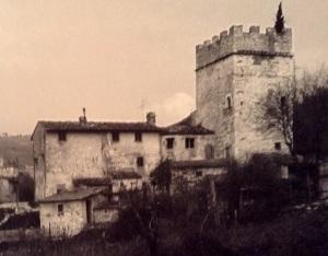 Bagno a Ripoil Firenze Casa torre del XIII secolo declassata a casa da lavoratore.