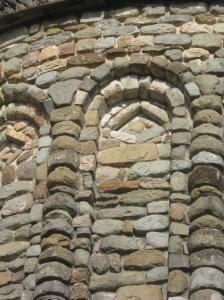 Pieve di Santo Stefano a Soreno particolare delle decorazioni dell'abside
