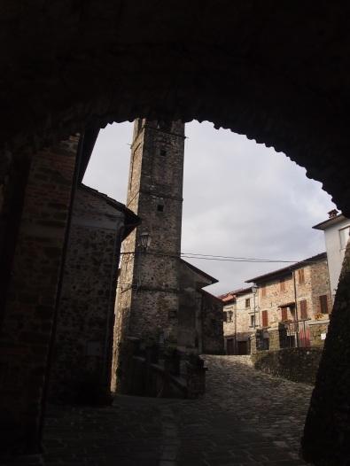 Malgrate, l'accesso al borgo