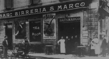 Gran Caffè San Marco in Piazza San Marco angolo via Larga in una vecchia foto.