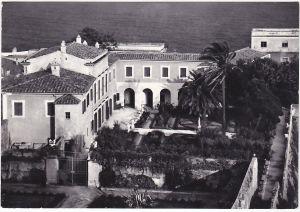 Portoferraio i giardini della Villa dei Mulini in una vecchia cartolina