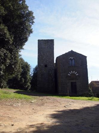 Abbazia di San Giusto la facciata e la torre campanaria