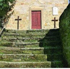 Fornace la scalinata di accesso alla chiesa di San Lorenzo
