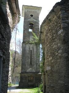 Isola Santa la torre campanile della chiesa di San Jacopo