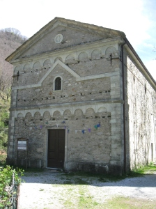 Isola Santa la chiesa di San Jacopo, la facciata