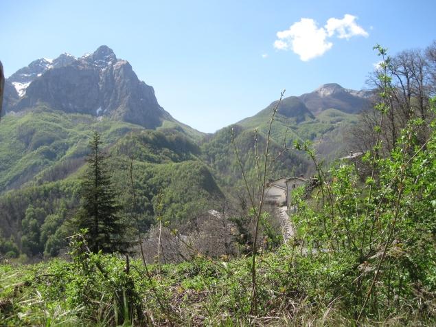 Isola Santa i monti che la circondano