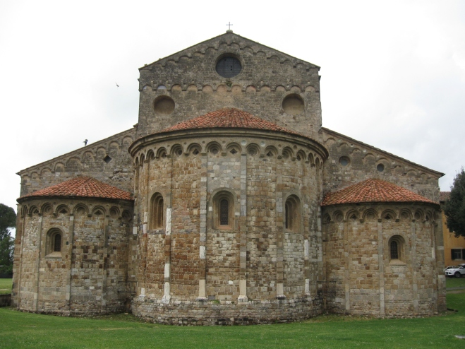 San Piero a Gradi le absidi ad oriente