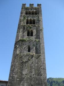 Diecimo, la torre camapanaria
