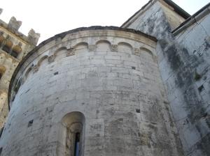 Diecimo, l'abside della pieve di Santa Maria