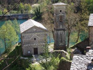Isola santa la chiesa di san Jacopo