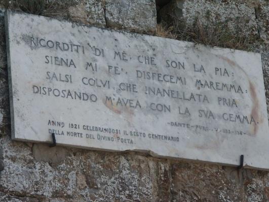 Lastra marmorea con i versi di Dante
