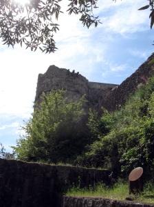 Montignoso, Castel Aghinolfi, particolare della torre circolare