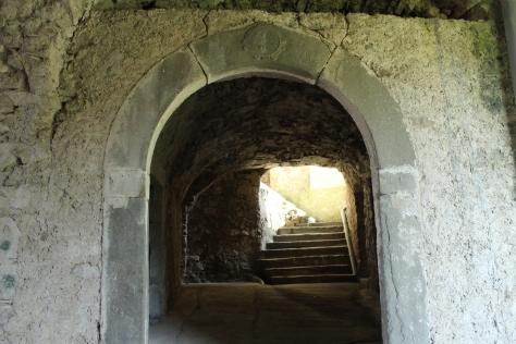 Lusignana, portale del Seicento