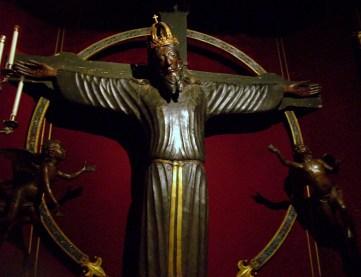 Il Volto Santo, crocifisso ligneo nel Duomo di Lucca