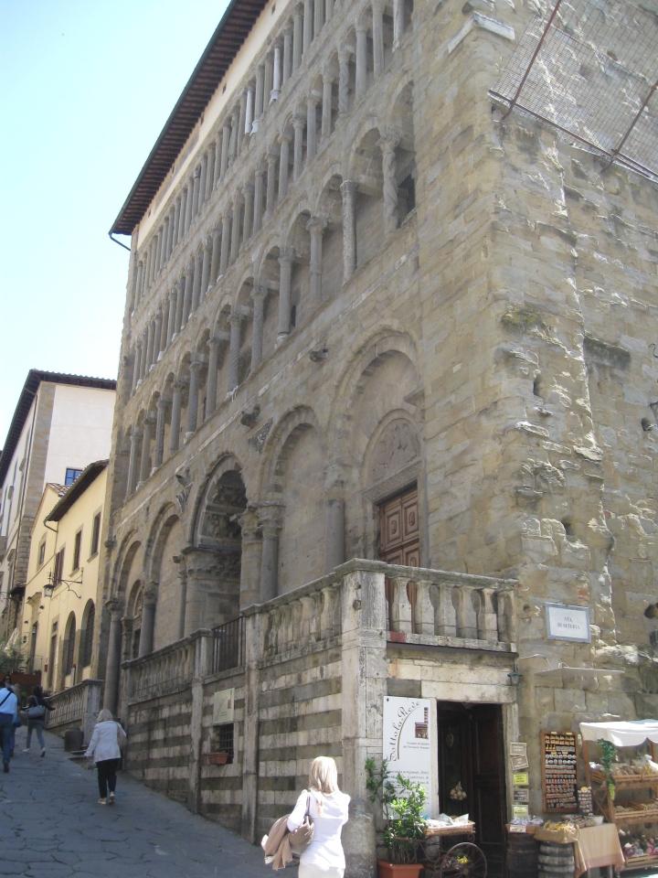 Arezzo Santa Maria della Pieve da Corso Italia