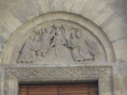 Arezzo Santa Maria della Pieve, la facciata particolare delle lunette