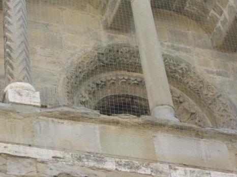 Arezzo Santa Maria della Pieve, la facciata particolare