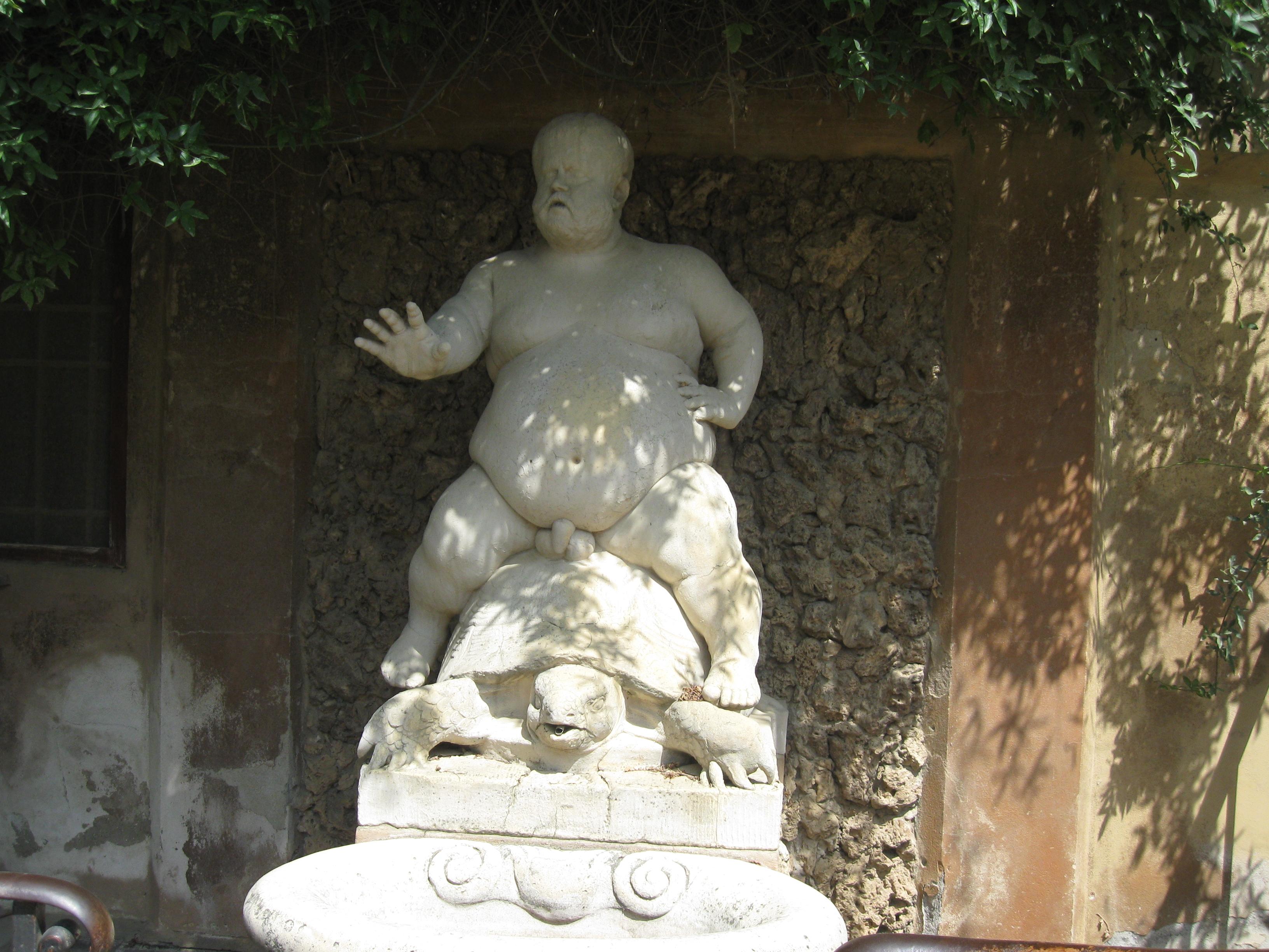 """Giardino di Boboli la statua del """"bacchino"""""""