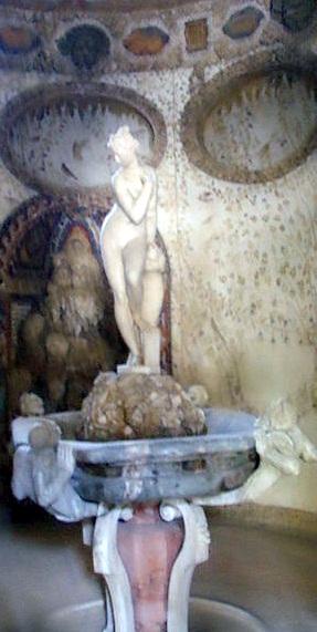 Giardino di Boboli la Venere nella Grotta Grande