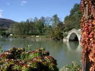 Pontecosi, il ponte e il lago