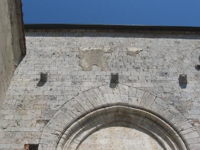 Torri Chiesa di Santa Mustiola, lato meridionale della chiesa, particolare