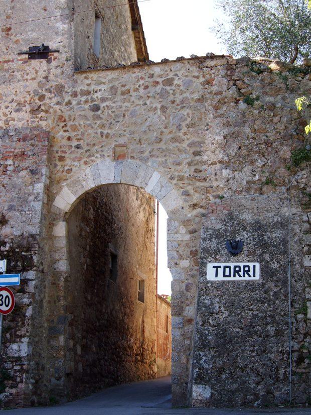 Torri, la porta del borgo
