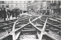 1938 - Sistemazione delle rotaie in Piazza Stazione