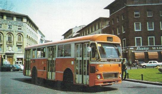 1983 - Piazza Stazione, autobus Breda della linea 31 diretto a Grassina
