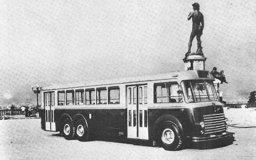 1953 - Piazzale Michelangelo autobus Alfa Romeo carrozzato Garavini