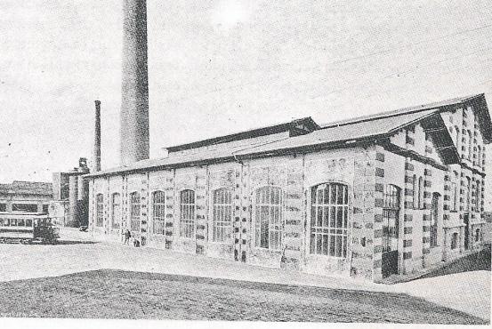 Deposito delle Cure sede della centrale elettrica a carbone che sviluppava l'energia necessaria ad alimentare la rete tramviria (il camino misurava 55 m)