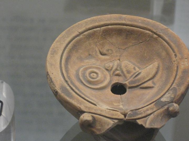 Museo di Luni, una lucerna