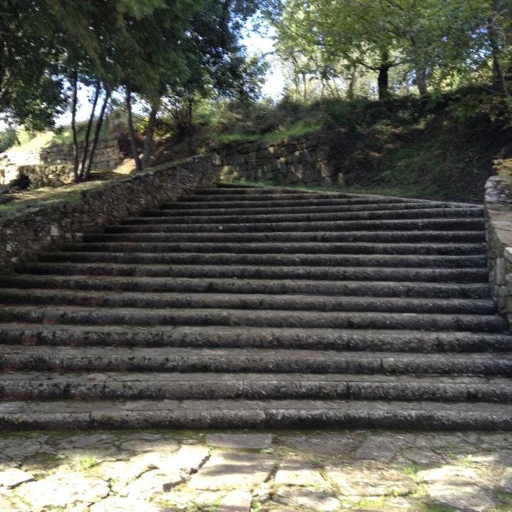 Lubaco, la scalinata antistante il sagrato