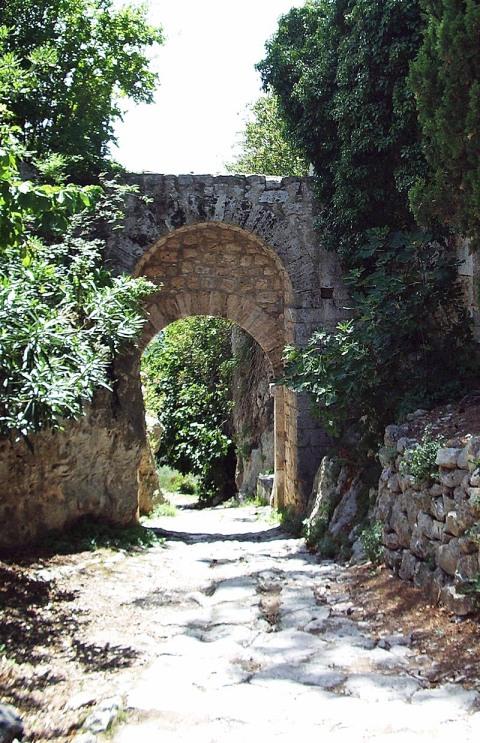 Saturnia, Porta Romana e via Clodia